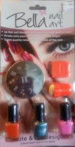 Bella nail art