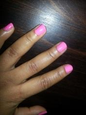 Bella nail art_pink nail polish