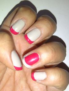 Two toned french manicure
