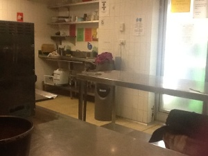 BIGhostel kitchen