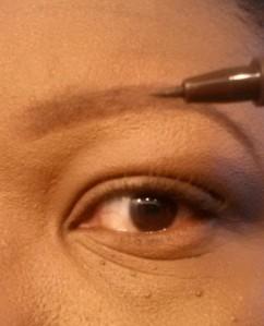 Eyebrow tutorial (10) - apply brow pen