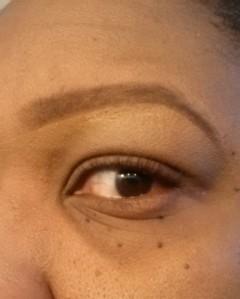 Eyebrow tutorial (7) - apply concealer
